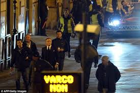 daniel craig teams suit with trainers to shoot scenes for james