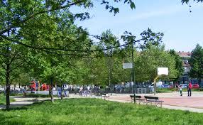 giardino bambini file pozzo strada giardino bambini e bambine vittime di beslan jpg