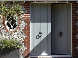 cottage front door round window exterior paint colors for