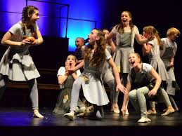 hounds youth dancers a new play and scottish fiddling