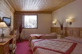 deco chambre montagne a vars alpes du sud le chalet hôtel alpage offre 17 chambres
