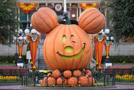 things we love most about mickey u0027s halloween party at disneyland