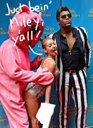 Miley Cyrus Halloween Costumes Kelly Ripa Twerk Miley Cyrus Epic