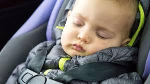 siège auto bébé 7 mois l erreur à ne pas faire lorsque vous attachez bébé dans siège