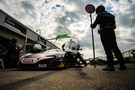 mclaren factory top 10 finish keeps mclaren in the blancpain hunt just british