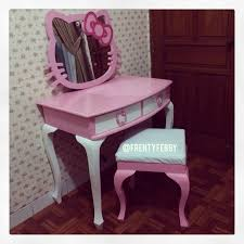 Girls Vanity Table And Stool Best 25 Little Vanity Ideas On Pinterest Little Girls