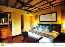 chambre thailandaise chambre d hôtel en thaïlande photo stock image du allumé spacieux