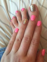 i don u0027t like the pink color but i like the matching mani pedi