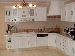 peindre cuisine rustique peindre une cuisine rustique en moderne idee de renovation cuisine