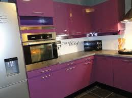 cuisine mauve deco cuisine beige et mauve idée de modèle de cuisine