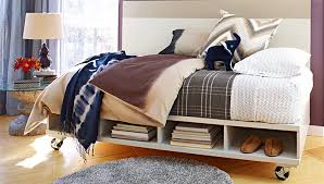 this twin size daybed is easy to make and provides lots of storage