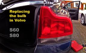 bulb failure position light volvo s60 replacing the bulb in volvo s60 s80 youtube
