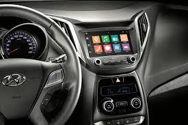 Extreme Hyundai democratiza central multimídia no HB20 2018 | Quatro Rodas #AN56
