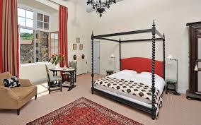 chambre d hote tours maison d hôtes auvergne chambres du château de saturnin
