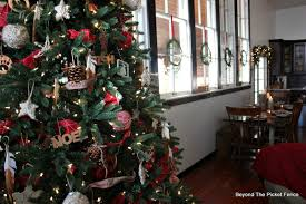 beyond the picket fence 12 days of christmas day 10 how to