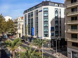 hotel in cannes novotel suites cannes centre