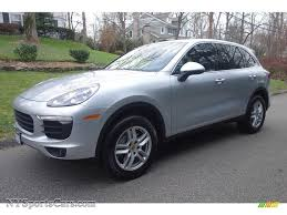 porsche cayenne 2016 colors 2016 porsche cayenne in rhodium silver metallic a38014