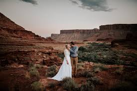 Wedding Photographers Near Me 13 Things Your Wedding Photographer Will Never Tell You