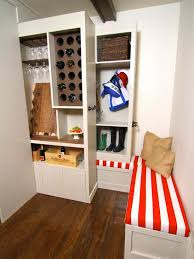 Storage Ideas For A Small House  Small Space Decorating Ideas - Clever storage ideas for small bedrooms