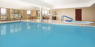 Holiday Inn Express & Suites Muncie Hotel by IHG