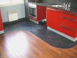 parquet stratifié dans cuisine parquet flottant cuisine élégant parquet stratifié cuisine charmant