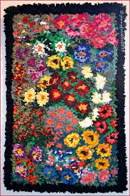 Rug Hooking Daily Flower Garden
