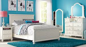 escape from the bedroom emma s escape white 4 pc full panel bedroom girls bedroom sets