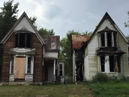 two house can the city do anything about the two damaged houses in the 500