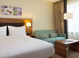 Schlafzimmer Queen Hilton Garden Inn Hotel Im Verwaltungsbezirk Moskau