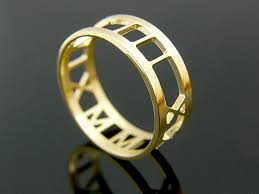 personalized wedding band numeral ring 14k solid gold anniversary