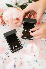 Gifts For Mom 2017 Wedding Wednesday Gifts For Mom On The Big Day Living In Color
