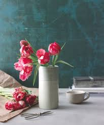 How To Take Care Of Flowers In A Vase How To Arrange Flowers Real Simple