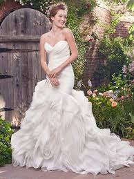 wedding dress for curvy ask a plus size fashionista the ultimate guide to wedding gowns