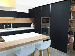 cuisine gris noir deco cuisine bois clair cuisine bois et gris