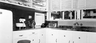 what of paint do you use on melamine cabinets can i spray paint my melamine cabinets doityourself