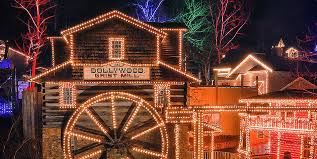 smoky mountain christmas at dollywood pigeon forge tn
