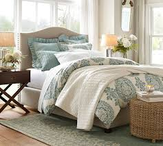 How Big Should Area Rug Be How To Choose The Right Size Rug For A Bed Diy Decorator
