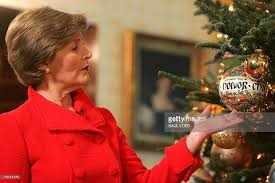 laura bush shows off white house holiday decorations photos and
