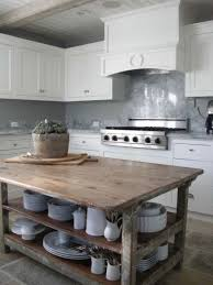 ilot de cuisine en bois meuble vintage en cuisine 30 photos d îlots très stylés