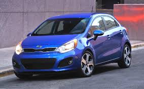 2016 kia rio with attractive design car features