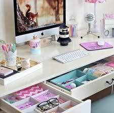 things for your desk at work desk ellebangs