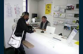 travaux de bureau economie les locaux de la poste se modernisent