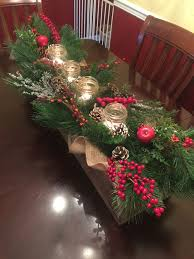 Christmas Berry Table Decoration by Best 25 Wooden Box Centerpiece Ideas On Pinterest Table