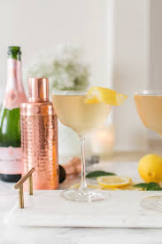 the signature cocktail you need to serve at thanksgiving glitter