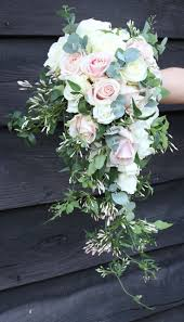 Family Dollar Miami Gardens Best 25 Cascade Bouquet Ideas On Pinterest Cascading Bouquets