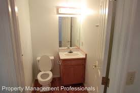 Bathroom Grants 535 Nw Midland Ave Grants Pass Or 97526 Rentals Grants Pass Or