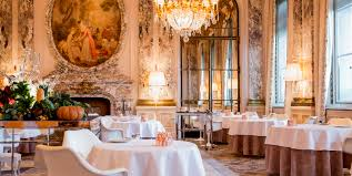 luxury restaurants and bar fine dining in paris at le meurice