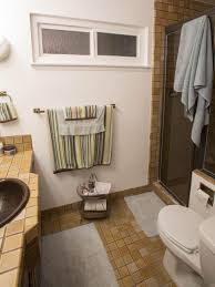 Storage Ideas For Small Bathrooms With No Cabinets by 20 Small Bathroom Before And Afters Hgtv