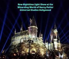 nighttime lights at hogwarts new nighttime light show at the wizarding world of harry potter