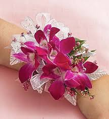 Corsage And Boutonniere For Prom Prom Corsage Prom Boutonniere Prom Flowers 1800flowers Com